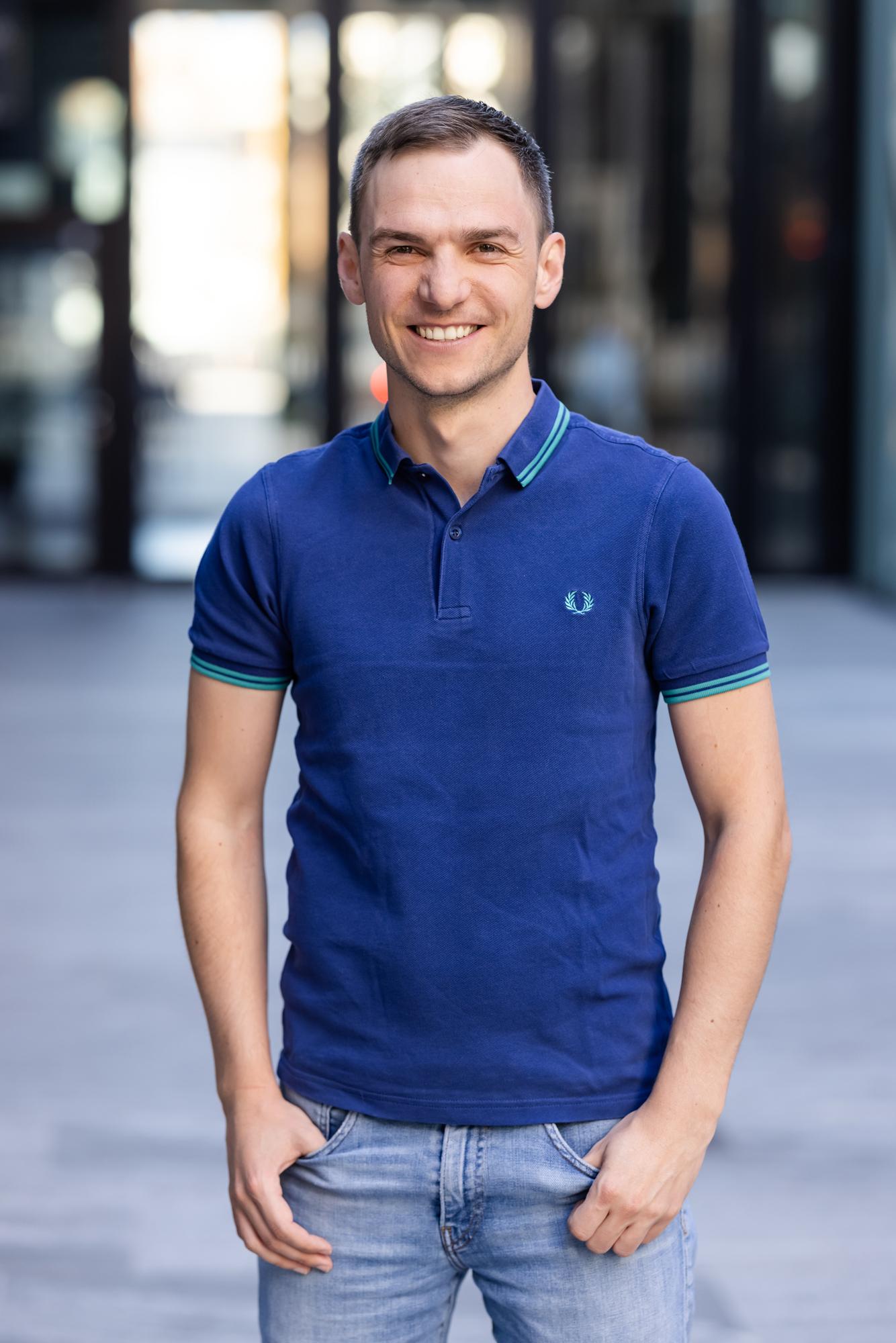Mag. (FH) Patrick Pixner, 36, ist neu in der CEO-Ebene des Innsbrucker Digitalisierungsunternehmens duftner.digital. Der gelernte Techniker und Gründer des Fullservice-Anbieters M-Pulso hat in Sachen ganzheitliches Consulting umfangreiche Expertise vorzuweisen.